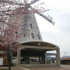【souls825】さんのInstagramをピンしています。 《誰にも頼まれてないが自発的に2016年を写真で振り返る その10の①-1c  風車と桜。 #今金 #デモーレンいまかね #今金町中央緑地 #De_Molen_Imakane #de_molenとはオランダ語で風車の意 #桜》