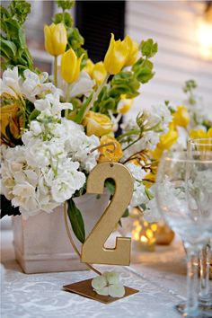 Garden party wedding. Love this centerpiece!