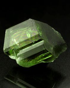 Doubly terminated Diopside crystal - extremely good quality and the rainbow just puts a smile on my face. From Ibity, Vakinankaratra Region, Antananarivo Province, Madagascar