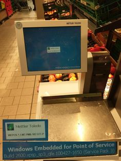 The scale for fruits and vegetables at my local supermarket. This one keeps having problems #bsod #pbsod