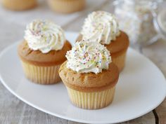 Cupcakes http://www.woman.sk/zakladny-recept-na-cupcake/