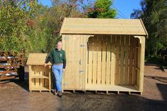 We were recently commissioned to build a custom log store for a local customer. The bespoke log store ended up being so big its the subject of this weeks #Dorset Log Store Blog. #garden
