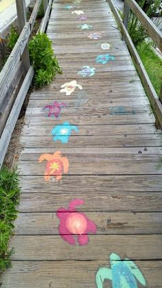 Seaside Style❤️ with chalk for decoration? Seaside Style, Beach Cottage Style, Beach House Decor, Deco Surf, Hotel Am Meer, Art Sur Toile, Sidewalk Chalk Art, Dream Beach Houses, Chalk Drawings