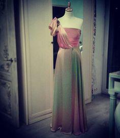 #100%silk #100%#шёлк#платьевпол#деграде#амбре#ручнаяработа#шьюназаказ#шьюназаказвМоскве#silk#design#couture#fashion#dressByOksanaZolotareva#handmade#individualtailoring#degrade #ombre #индивидуальныйпошив#handmadewithlove♥♥♥