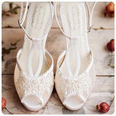 Blog OMG - I'm Engaged! - Sapatos de Noiva personalizados Aline Almeida Prado. Wedding shoes.
