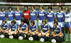 RC STRASBOURG 1979  Debouts : Deutschmann, Duguépéroux, Ehrlacher, Dropsy, Marx, Specht, Novi, Domenech, Gress Accroupis : Wagner, Tanter, Vergnes, Piasecki, Gemmrich, Jouve