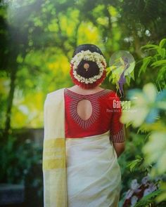 Wedding dresses simple low back brides 44 Ideas Kerala Saree Blouse Designs, Saree Blouse Neck Designs, Saree Blouse Patterns, Fancy Blouse Designs, Bridal Blouse Designs, Set Saree, Saree Dress, Lehenga Blouse, Traditional Blouse Designs