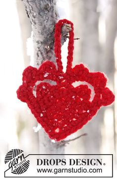 "Corazón de Navidad DROPS en ganchillo / crochet, en ""Nepal"" o ""Alaska"". ~ DROPS Design"