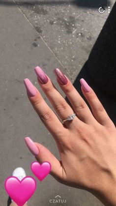 stylish pink nails designs ideas to look romantic and girly 42 ~ my.easy-co… Ten Nails, Aycrlic Nails, Glitter Nails, Silver Nails, Silver Shoes, Summer Acrylic Nails, Best Acrylic Nails, Country Nails, Basic Nails