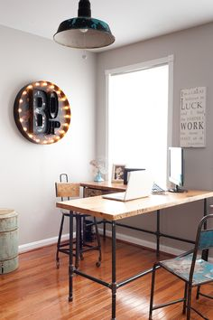L shape reclaimed wood desk with iron pipe legs in choice of size, height, wood thickness and finish Shape Reclaimed, Reclaimed Wood Furniture, Reclaimed Barn Wood, Recycled Wood, Farmhouse Furniture, Wood Office Desk, Office Furniture, Apartment Furniture, Custom Desk