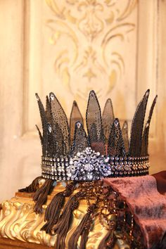 Embellished Metal crown rusty crown crown by MediterraneaDesigns...