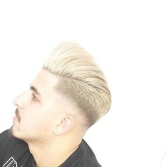 120+ Most Popular Hairstyles For Trendy Men 2020 Ideas #comboverhairstylesformen #longhairstylesmen #mensrecedinghairstyles #menshairstylespompadour #braidedhairstylesformen #quiffhairstylesmen #classymenshaircuts #easymenshairstyles #menssummerhairstyles #2016menshairstyles