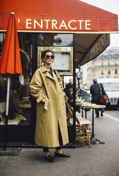 All around Paris Fashion Week Street Style Spring 2018 Day 7 Cont., The Best Street Style from Paris Paris Fashion Week Street Style, Best Street Style, Street Style Trends, Spring Street Style, Cool Street Fashion, Street Style Looks, Paris Fashion Weeks, Paris Street, Spring Style
