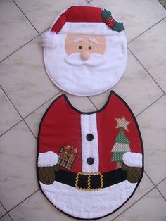 JOGO DE BANHEIRO PAPAI NOEL | Flickr - Photo Sharing! Christmas Sewing, Handmade Christmas, Christmas Diy, Crafts To Make, Christmas Crafts, Toilet Decoration, Felt Christmas Stockings, Christmas Bathroom, 242