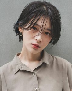 Asian Short Hair, Short Hair Cuts, Short Bob Hairstyles, Cool Haircuts, Pelo Ulzzang, Hair Inspo, Hair Inspiration, Shot Hair Styles, Hair Reference