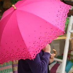 pink eyelet umbrella. need this!