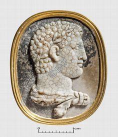 "camée, ""Hercule jeune"" (camée.69), BnF. Sardonyx, époque romaine"