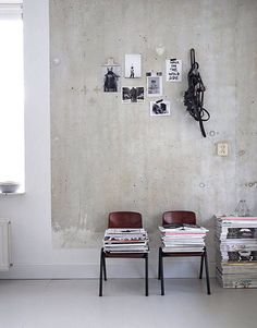 concrete wallpaper on a part of the wall. I would do a whole wall but what do I know? Interior Architecture, Interior And Exterior, Interior Styling, Interior Decorating, Decorating Ideas, Concrete Interiors, Style Loft, Home And Deco, Decoration