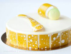 Entremet (I just really love the chocolate pieces around the sides)