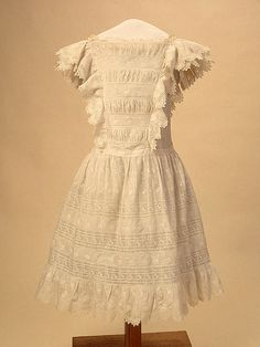 Grand Duchess Maria's Summer dress.    1900s. State Hermitage museum, St.Petersburg