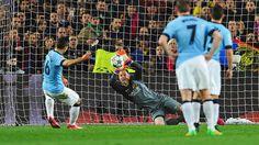 Marc-André Ter Stegen (#Barcelona) stops penalty Aguëro (#Manchester #City) during the CL match Barcelona-Manchester City (1-0). Photo by Getty Images. #soccer #goalkeeper #greatsaves