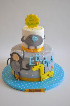 Torta per il Battesimo: con animaletti personalizzati e interamente modellati a mano Birthday Cake, Desserts, Food, Tailgate Desserts, Deserts, Birthday Cakes, Essen, Postres, Meals