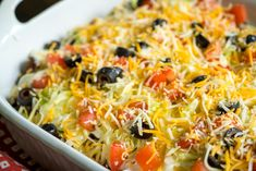 Cheesy Taco Casserole You know what's better than taco night? It's taco night without all the hassle of assembling things in. Taco Casserole, Casserole Recipes, Taco Bake, Casserole Kitchen, Casserole Dishes, Mexican Food Recipes, Beef Recipes, Cooking Recipes, Ethnic Recipes