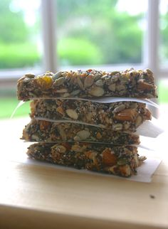 "Healthy version of ""Granola Bars"" packed with nutrients and without gluten, corn syrup and sugar #healthysnacks"