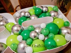 GIANT mosaic numbers / letters filled with balloons - Party decoration idea - DIY How to make tutorial - birthday Small Balloons, Number Balloons, Letter Balloons, Birthday Balloon Decorations, Birthday Balloons, Birthday Party Decorations, Diy Birthday Number, Balloon Stands, Graduation Balloons