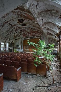 jar-of-elixir: Abandoned movie theater