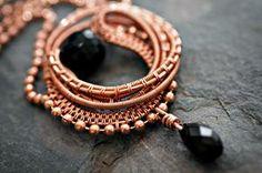 Nicole Hanna: Medallion Pendant, Wire Jewelry Tutorial