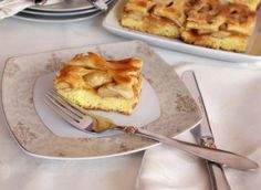 Am mancat acuma ceva vreme o prajitura cu mere care semana mult cu aceasta a carei reteta v-o propun azi. Am cumparat-o dintr-o cafenea intr-o zi cand mi-era cumplit de foame si mi-a placut la nebunie. M-am gandit de cateva ori, oare de aceea mi s-o fi parut prajitura cu mere gustoasa din cale-afara, pentru […]