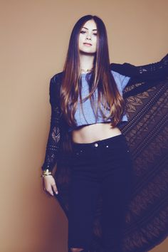 "Exclusive! You Need to Hear Brit Hitmaker Jasmine Thompson's Acoustic Version of ""Adore"""