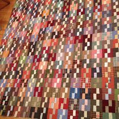 """klein meisje quilts: what a wonderful scrap quilt. Cutting: Darks, two 2 1/2 inch squares and two 1 1/2 by 2 1/2 inch rectangles.  Lights, two 1 1/2 inch by 2 1/2 inch rectangles  Blocks finish at 4""""."""