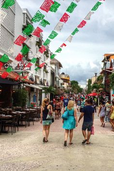 Playa Del Carmen Shopping Fifth Avenue