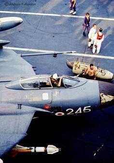 Sea Vixen XN689 FAW.2 of 890 NAS Squadron aboard HMS Ark Royal 1963