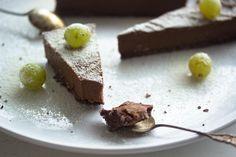 Mieliruokaa: fudgemainen suklaaraakakakku
