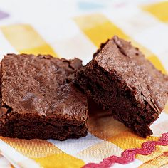 Recipes for low-fat brownies are not unknown, but so often they're dry, gummy, or short on chocolate flavor-prune-flavored brownies, anyone? We injected our low-fat brownies with rich chocolate flavor and developed an irresistible, fudgy texture similar to traditional versions.