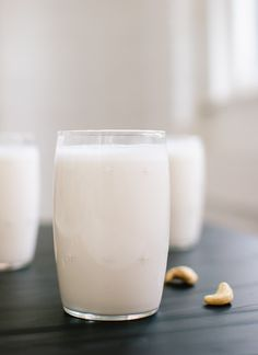Cashew milk recipe... really want to try this with cinnamon.  Yum. Not a fan of cow's milk so maybe this can be my alternative!