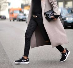 sneaker-street-style-nike-strut-black-sneakers-white-sole-are-the-new-sneaker-street-style-trend-the-sneaker-street-style-strut