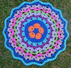 Tapete de Crochet com Fio de Malha ou Trapilhos (Crochet Rag Rug): Pentágono Flor  Africana ou African Flower