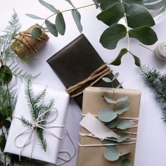 Love this image by hegeinfrance.com - gorgeous gift wrapping with a little bit of nature, more foraging in the backyard!
