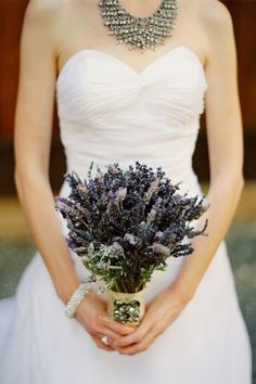 Ramos de Flores para mi Novia. Si has decidido regalar a tu novia el ramo de flores que llevará en el día de su matrimonio, te diré que has llegado al lugar indicado. Pues aquí en este a