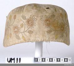 bindmössa tillverkad ca 1750 från Orust, Bohuslän