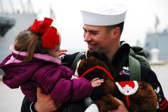 Sometimes a picture says everything like during a homecoming. - MilitaryAvenue.com