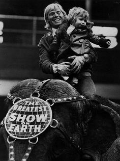 Gunther Gebel-Williams and his son, Mark Oliver Gebel, atop a Ringling Bros. and Barnum & Bailey elephant (1973)