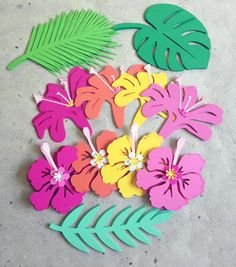 Tropical Hawaiian leaves flowers cut outs Tropical Flowers, Spring Flowers, Hawaiian Flowers, Luau Centerpieces, Moana Birthday Party, Luau Party, Flower Cut Out, Flamingo Birthday, Giant Paper Flowers