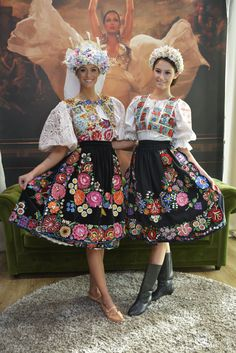Costumes Around The World, European Wedding, Folk Dance, Ethnic Dress, Folk Costume, Historical Clothing, Dance Costumes, Traditional Dresses, My Style