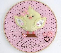 Lovely ideas for baby maternity door decorations. Baby Mobile Felt, Felt Baby, Felt Garland, Felt Ornaments, Baby Crafts, Felt Crafts, Baby Deco, Felt Animal Patterns, Baby Applique