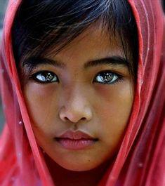 ¡Las 15 personas con los ojos más bonitos e impresionantes de todo el mundo!